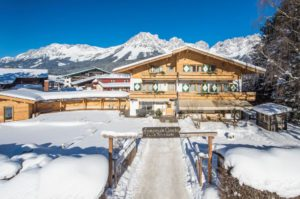 Alpenpension Claudia Ellmau Skiaustria Tours